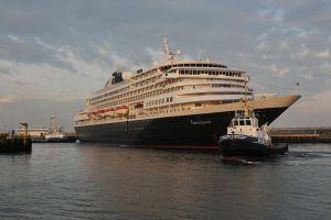 Aankomst MS Prinsendam in IJmuiden