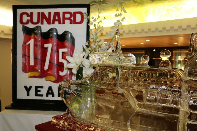 08 Queen Mary 2