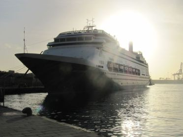 Eindelijk weer een zonnetje, na een cruise die in het teken stond van slecht weer en stormen in Las Palmas. - Jeroen, 31 december 2013