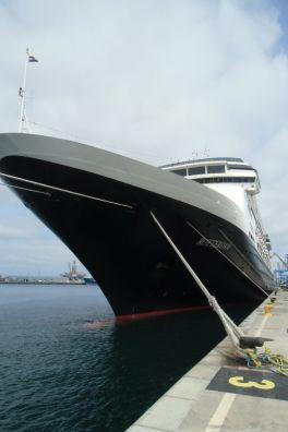 de lijn van het schip is heel goed te zien op deze foto in Las Palmas. - Emmy Hormann, 29 april 2015