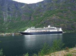 In de haven van het Noorse Flam tussen de mooie fjorden. - Anja Vrugt.