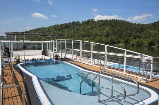 Pool - Upper Deck
