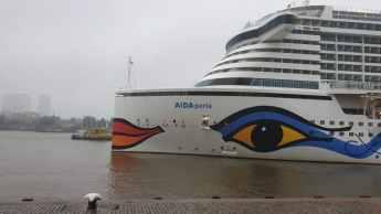 AIDAperla Seabourn Ovation 08