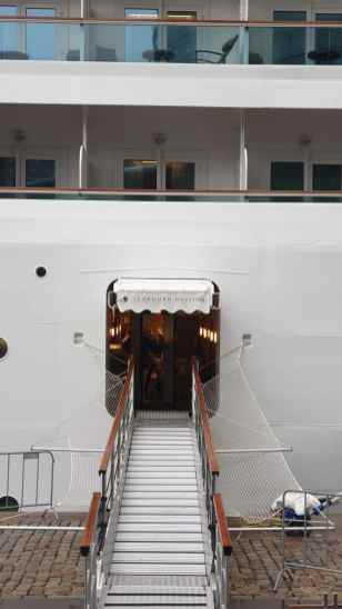 AIDAperla Seabourn Ovation 50