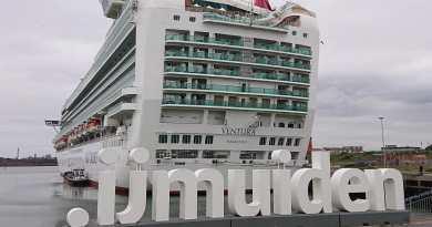 Letters .IJMUIDEN onthuld voor eerste cruisepasagiers