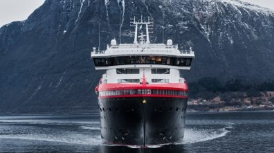 FridtjofNansen_0154_Photo_MotionAir_Hurtigruten-fill-800x448