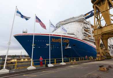 Carnival Cruise Line's Mardi Gras tewatergelaten in Finland