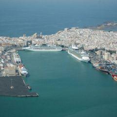 La naviera Fred Olsen cierra el puerto de Cádiz para una fiesta exclusiva