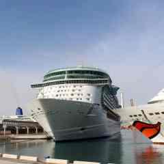 El Freedom of the Seas visita por primera vez el Puerto de Málaga