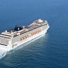Más de 120 españoles embarcaron en Barcelona para iniciar la primera vuelta al mundo de MSC Cruceros