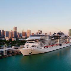 El MSC Meraviglia da la bienvenida a sus pasajeros en cruceros por el Caribe desde PortMiami