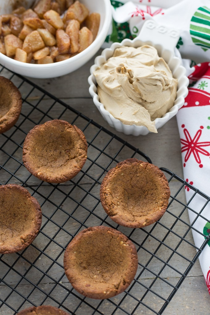 Spiced Pear Gingerbread Cookie Cups