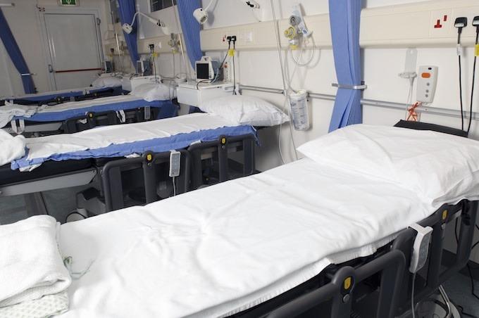 Une mère passible de 7 ans de prison pour injection de matières fécales dans l'hôpital IV de son fils