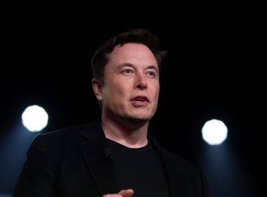 """Elon Musk dit qu'il préfère """"rester en dehors de la politique"""" après que le gouverneur du Texas a cité son soutien"""