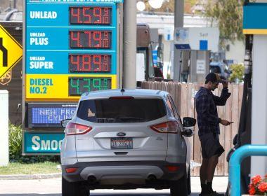 Les consommateurs américains s'attendent à une inflation record dans l'année à venir, mais anticipent une baisse des prix du gaz