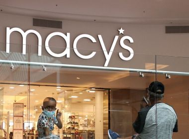 L'investisseur activiste Jana prend une participation dans Macy's et exhorte à la scission de l'unité de commerce électronique