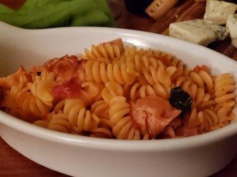 Amatriciana sauce on rotini pasta (bacon & tomato sauce)