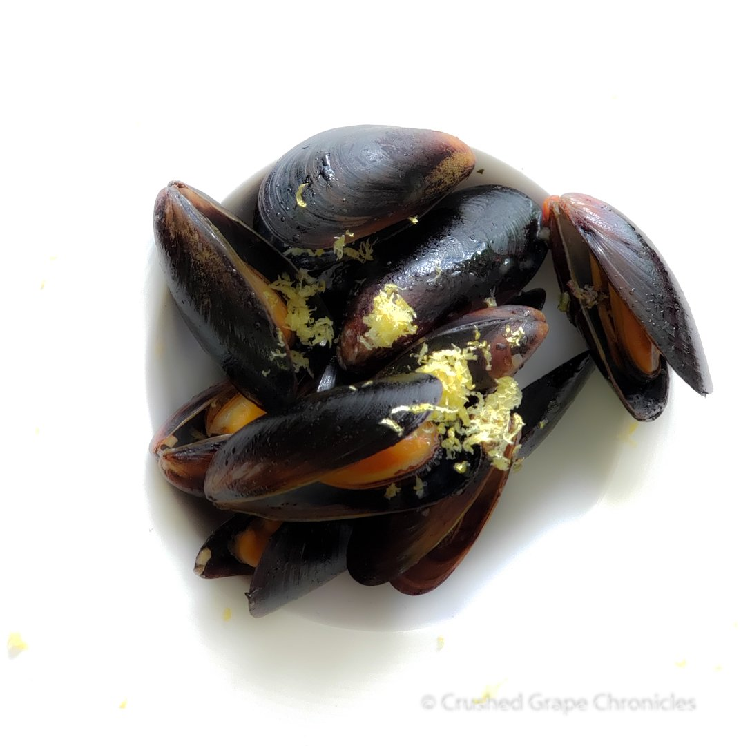 Mussels with lemon zest