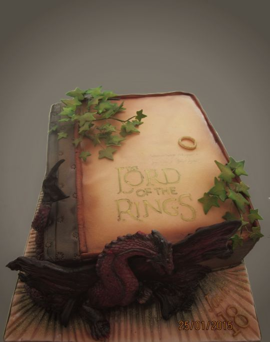 27 Lord of the rings inspired cakes will blow your mind