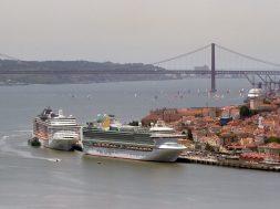 MSC Divina e P&O Ventura em Lisboa – Foto André Nobre