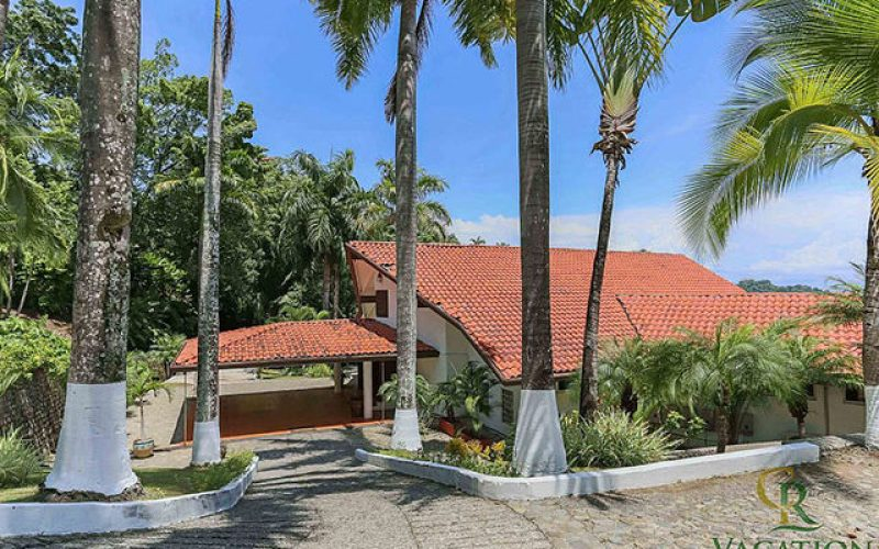 Manuel Antonio Vacation Rental VP Private Resort entrance