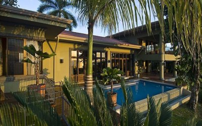 Manuel Antonio Vacation Rentals: Casa Carolina exterior with pool