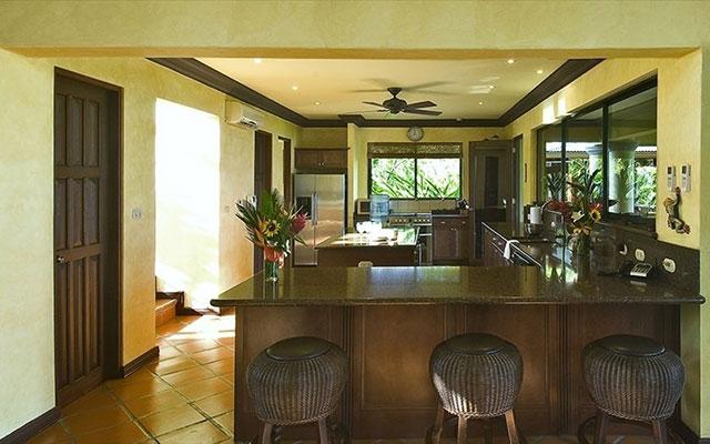 Manuel Antonio Rental Properties: Casa Carolina kitchen 3