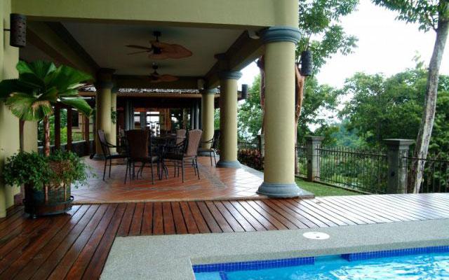 Vacation Villas Manuel Antonio: Casa Carolina pool and terrace