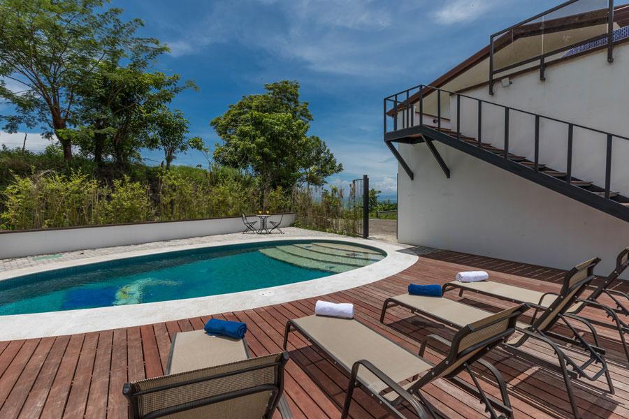 Casa WyRica pool and deck