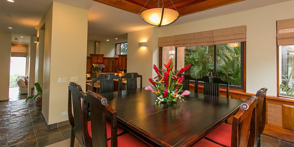 Casa Reserva dining room
