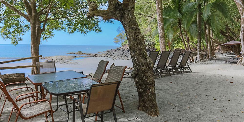 Tulemar 405 private beach