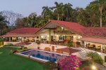 Villa Pelicano house and pool