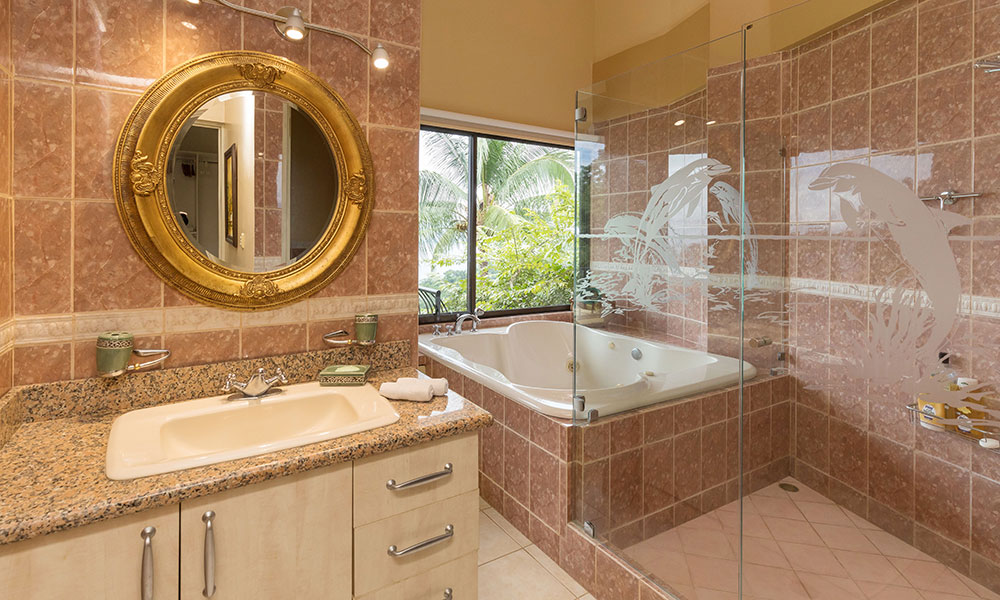 Villa del Sol bathroom