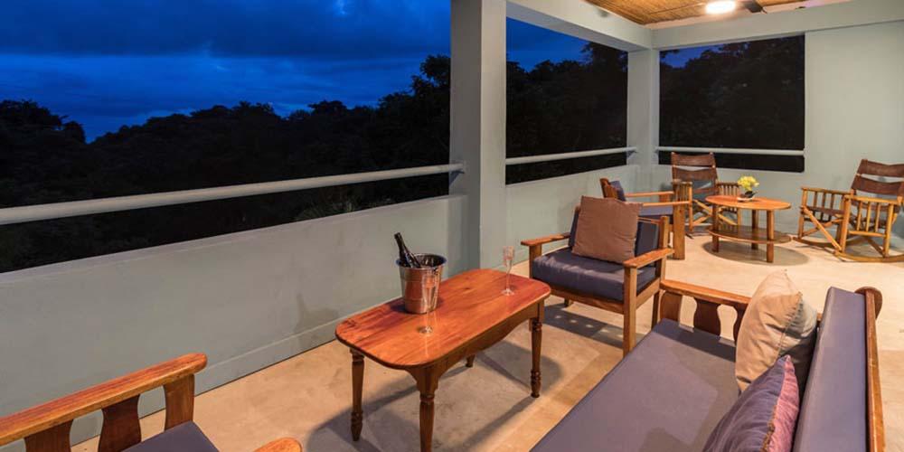 Villa Caimito terrace viewat night
