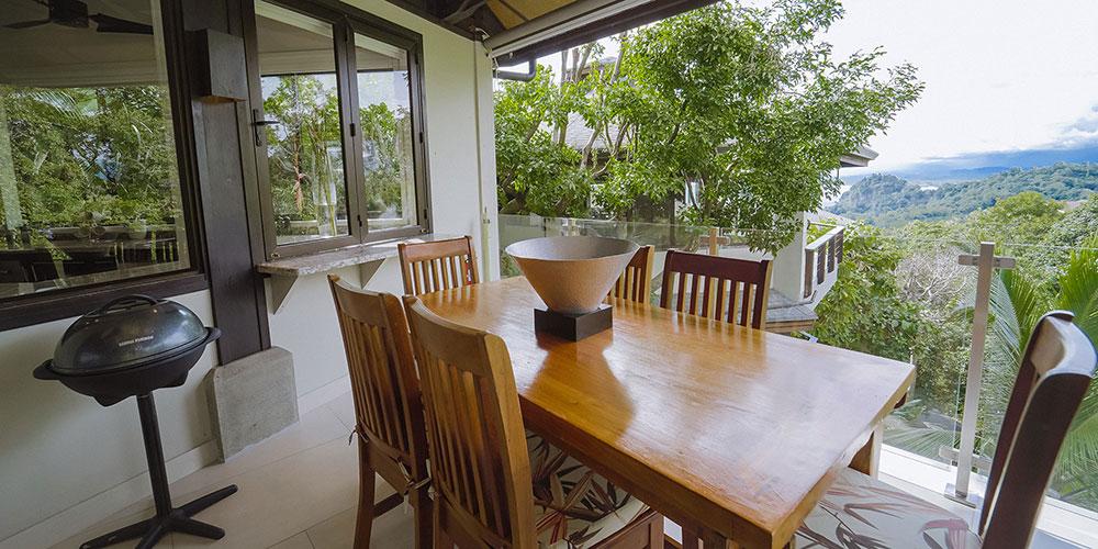 Casa Heliconia balcony3