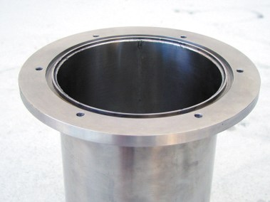 flanged neck termination for cryo container