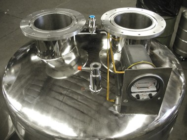 optional multiple necks for low pressure cryo container
