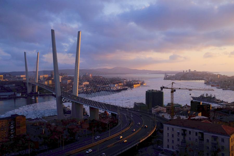 Zolotoy (Golden) Bridge in Vladivostok, Russia, with ice under the bridge.