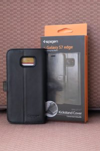 "Spigen's Samsung Galaxy S7 Edge has a wallet case you need to ""HAVE"""