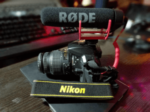 RODE VideoMic Go on a Nikon D5300