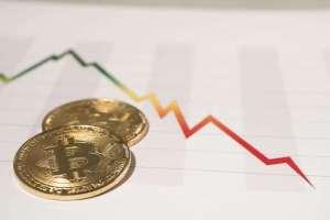لماذا يُتوقع انخفاض سعر البيتكوين ما دون 5000 دولار قبل ارتفاعه ؟