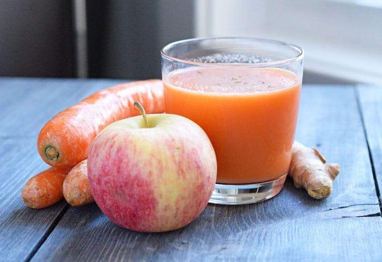 Apple Carrot Tumeric Juice