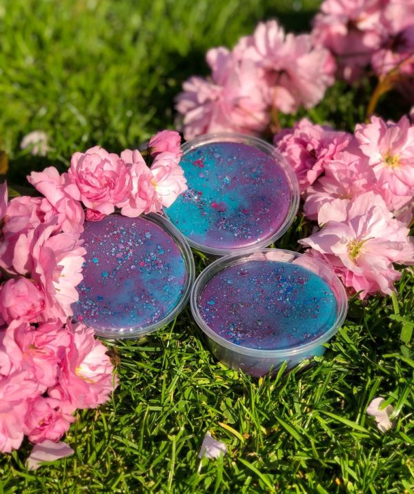 luxurious Eco friendly vegan scented soy candles, wax melts & Gift sets