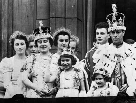 Will, King George, Queen and Princess Elizabeths, Princess Margaret and some other people.