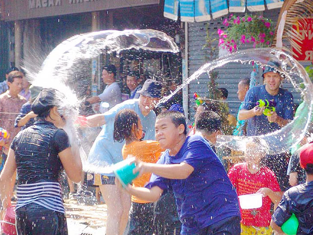 chiang mai song kran festival - Songkran Festival at Kapiolani Park