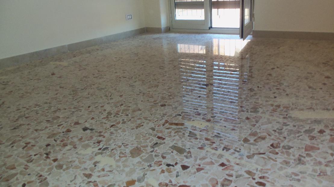 Pavimento in marmette di cemento e graniglia