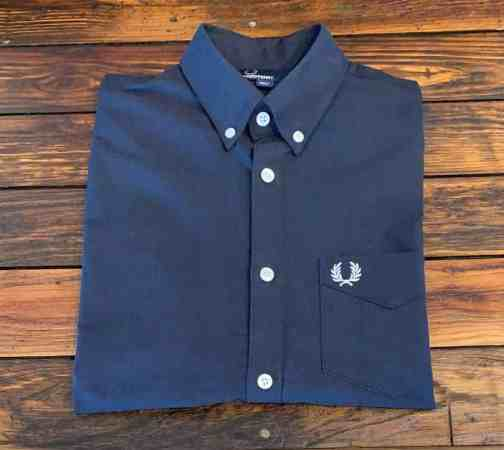 Fred Perry M3531 Classic Oxford Shirt in Navy.