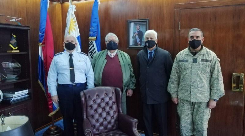 Visita  al Sr. General del Aire Luis Heber De León Comandante en Jefe de la Fuerza Aérea