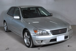 Used Toyota altezza Sedans 2000 model in Silver | Used