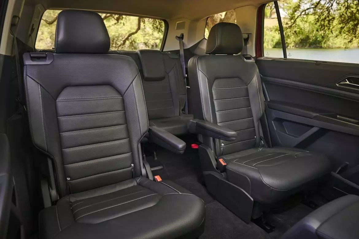 2017 gmc acadia with captains chairs sheepskin covers for recliner which 2018 three row suvs offer captain 39s news